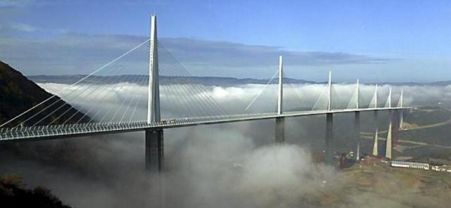bridge-millau_viaduct_2