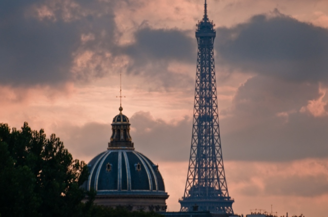 eiffel-tower-academie-nationale-paris-sky