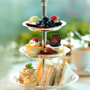 Fashion_high_tea_at_hotel_le_bristol