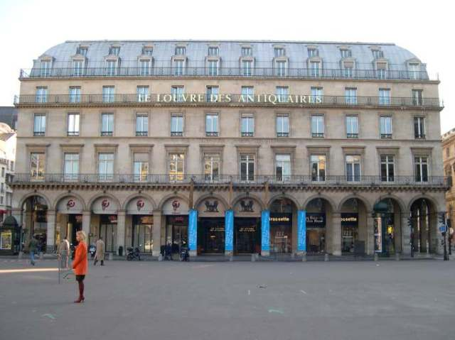 Louvre Antiquaires