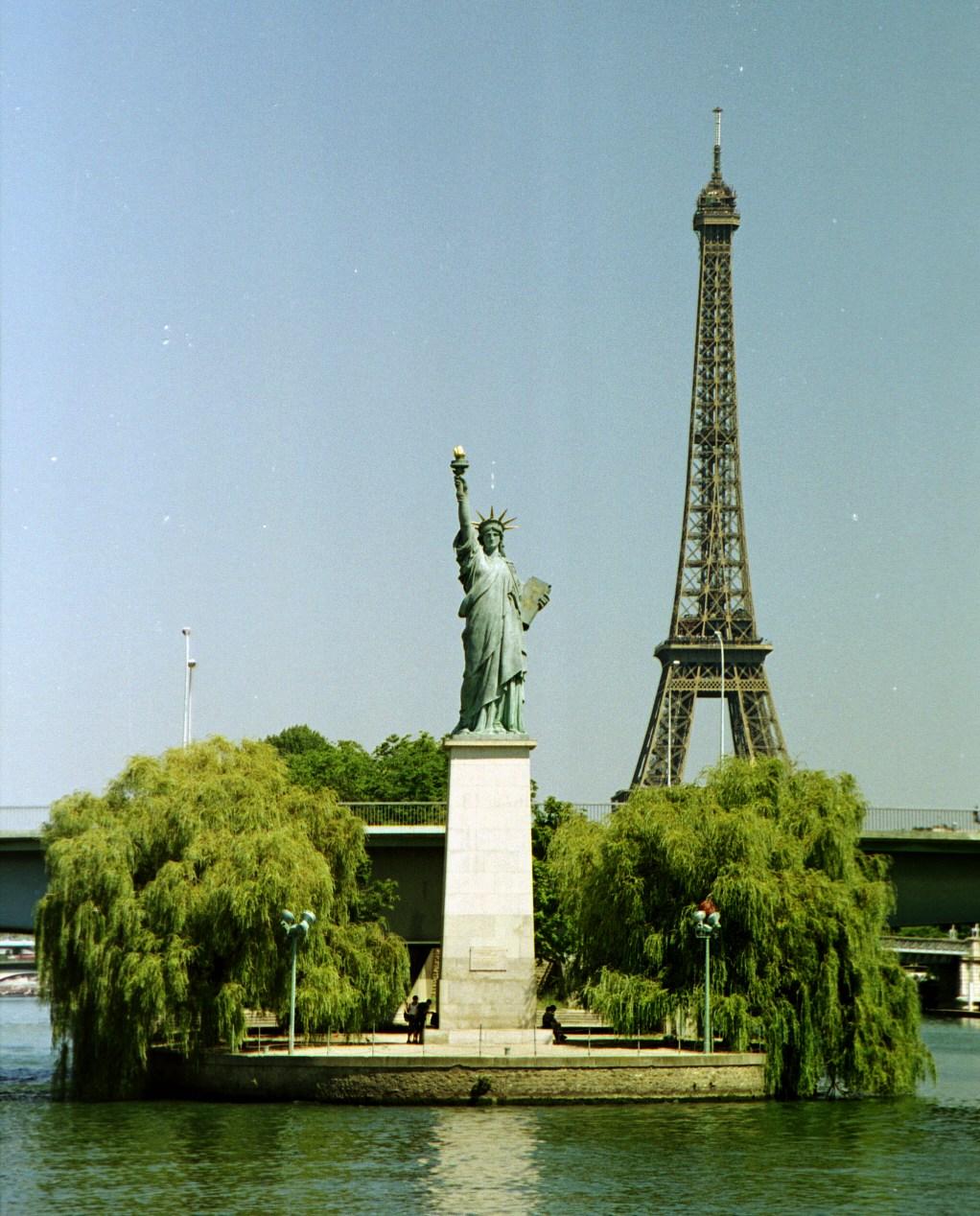 La Liberté éclairant Le Monde One Quality The Finest