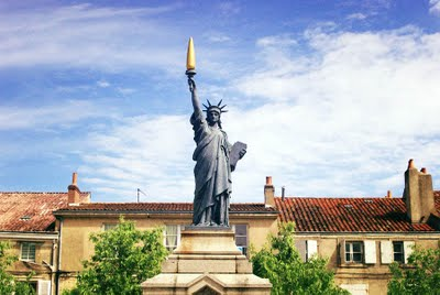 Statue_de_la_Liberte-Poitiers