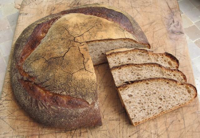 Après le pain, l'éducation est le premier besoin d'un peuple