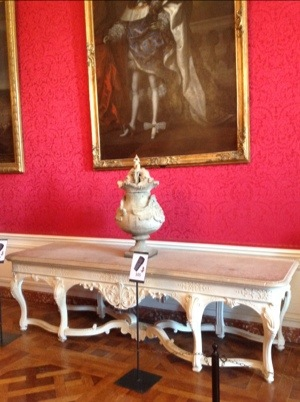 stone table chambord