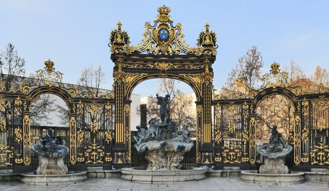Nancy_Neptune_fountain_02